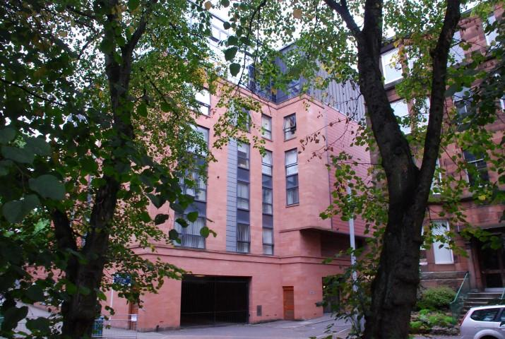 2 Bedrooms Apartment Flat for sale in 147 Hayburn Lane, Hyndland, G12 9FB