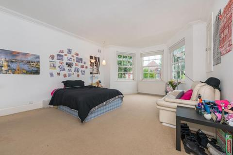3 bedroom flat to rent - Dartmouth Road, London, NW2