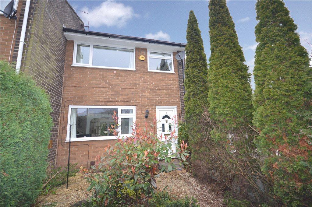 3 Bedrooms Terraced House for sale in Armley Ridge Road, Leeds