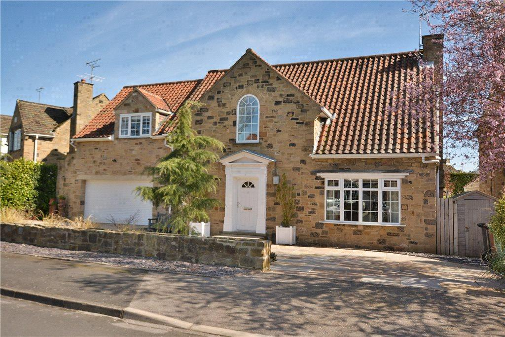4 Bedrooms Detached House for sale in Millbeck Green, Collingham, Wetherby, West Yorkshire