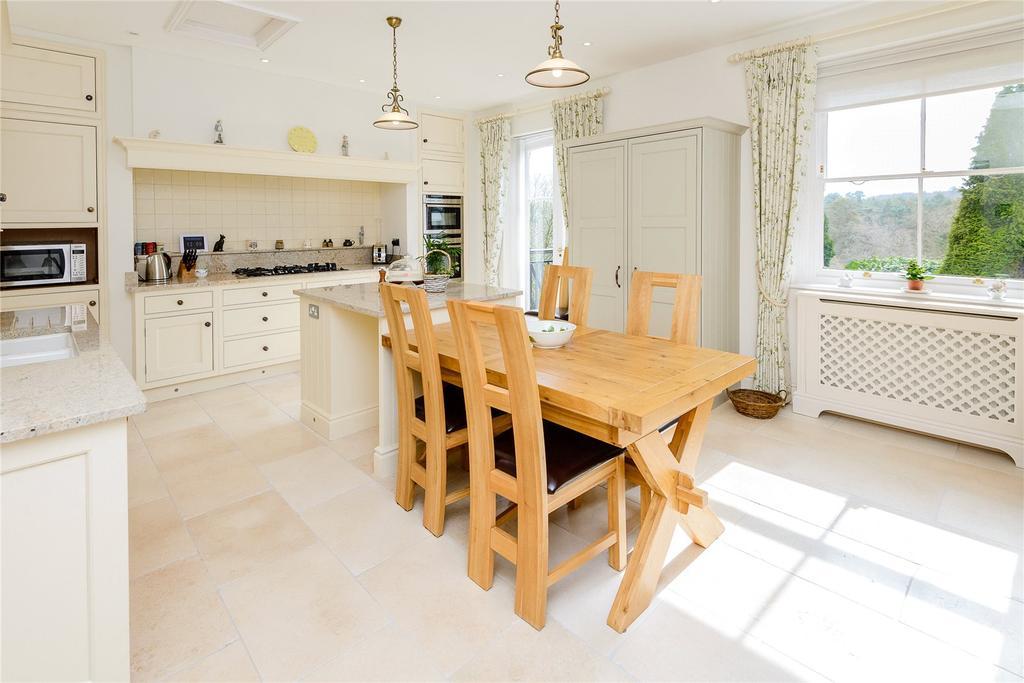3 Bedrooms Flat for sale in Enton Hall, Enton, Godalming, Surrey