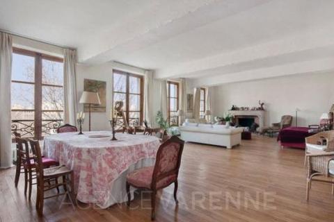 2 bedroom house  - Quai de Bourbon, Ile Saint Louis, Paris