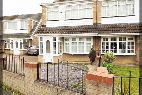 3 bedroom semi-detached house to rent - Weardale, Sutton Park, Hull, HU7 6DL