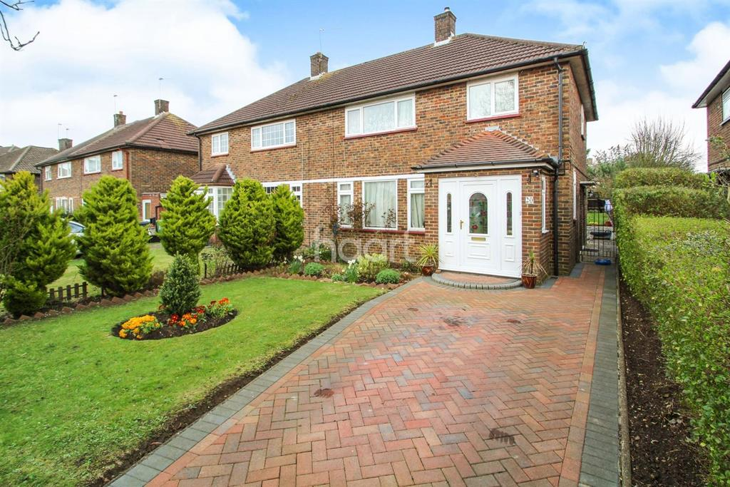 3 Bedrooms Semi Detached House for sale in Thirsk Road, Borehamwood