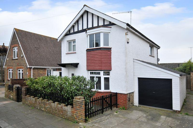 3 Bedrooms Detached House for sale in Salvington Gardens, Worthing