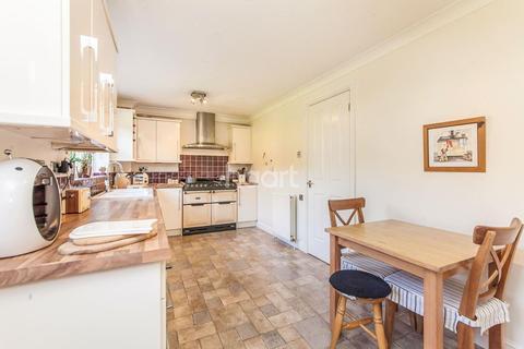4 bedroom detached house for sale - Sawkins Close, Langenhoe, CO5