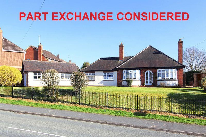 4 Bedrooms Detached Bungalow for sale in WOMBOURNE, Planks Lane