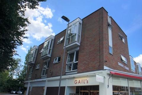 3 bedroom flat to rent - Grove Court, Station Road