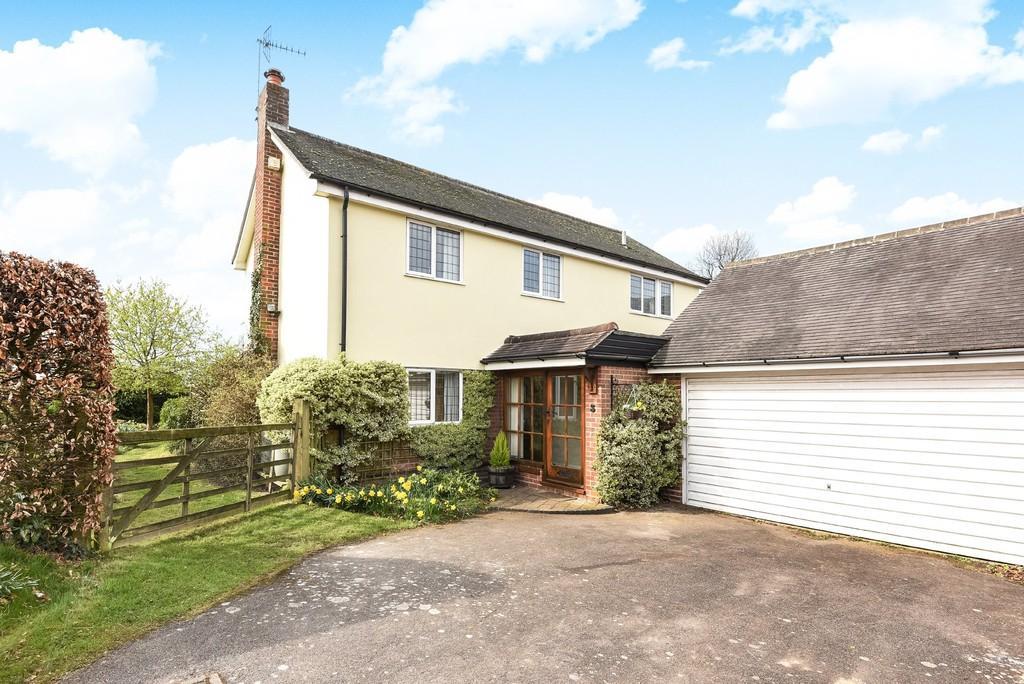 4 Bedrooms Detached House for sale in Sackville Way, West Bergholt