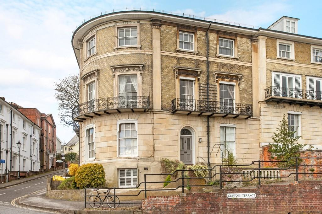 2 Bedrooms Apartment Flat for sale in Clifton Terrace, Winchester, SO22