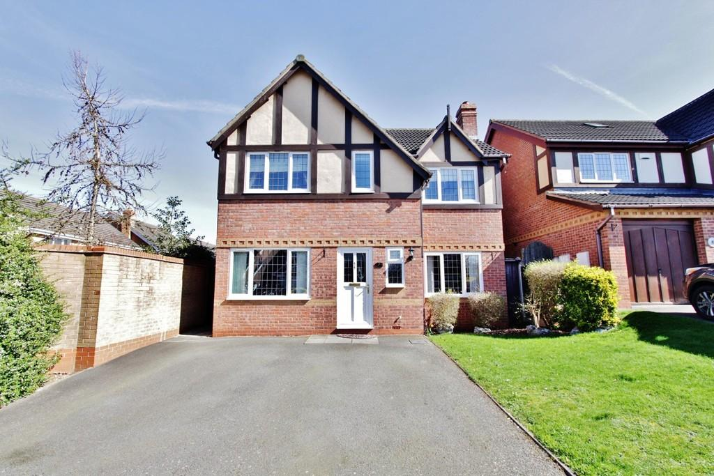 4 Bedrooms Detached House for sale in Wembury, Amington Fields