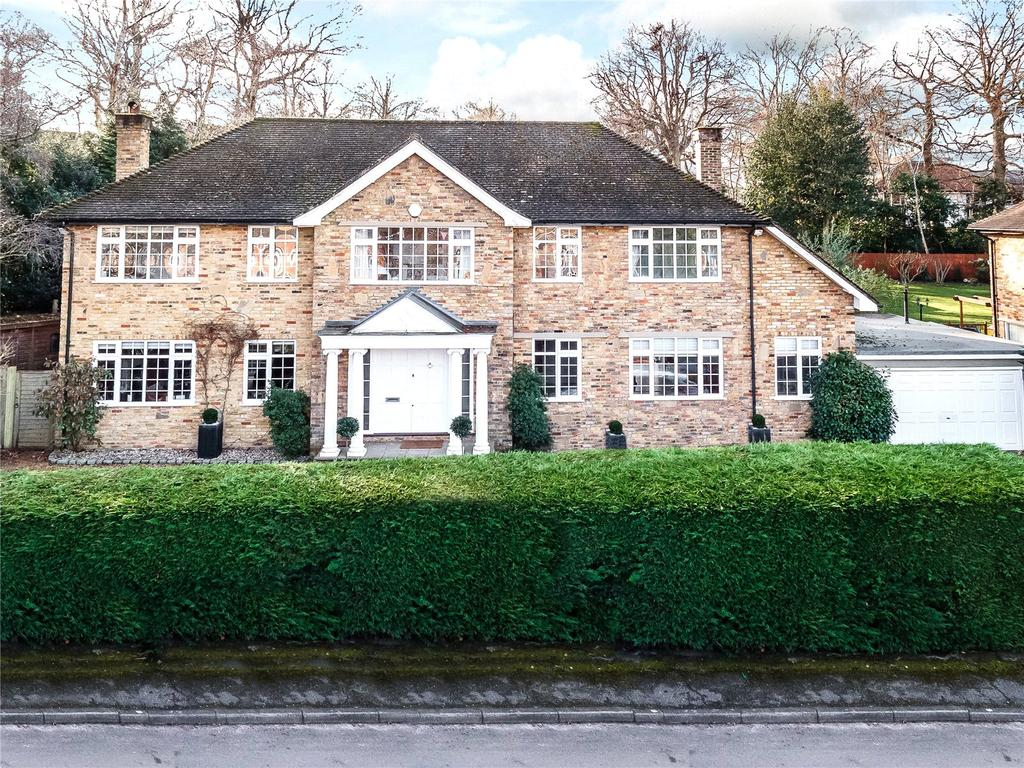 5 Bedrooms Detached House for sale in The Ridings, Cobham, Surrey, KT11
