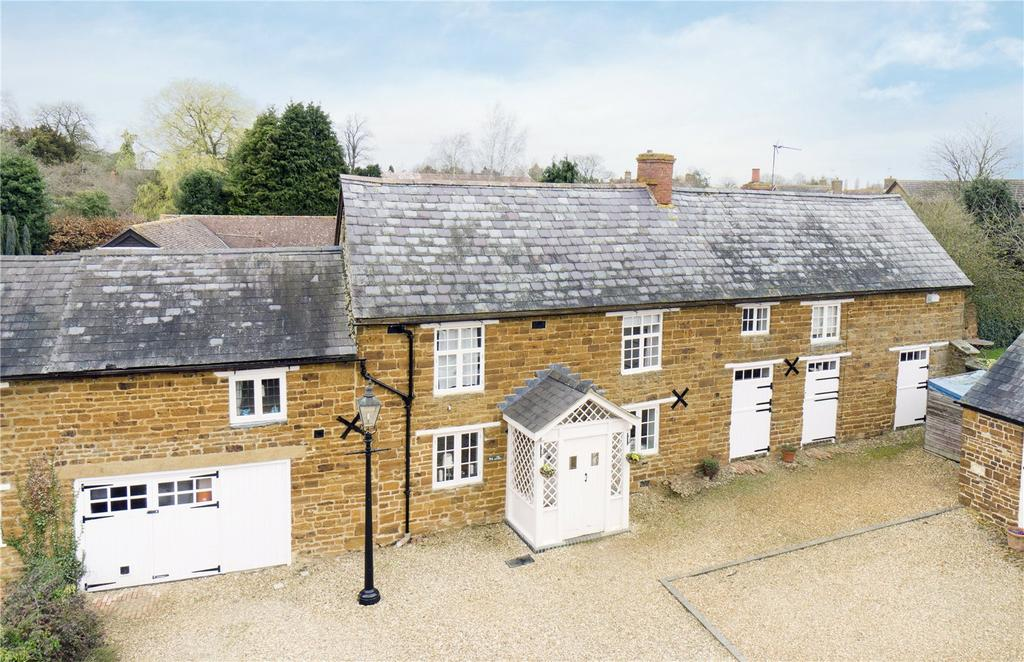 4 Bedrooms Unique Property for sale in High Street, Blakesley, Towcester, Northamptonshire, NN12