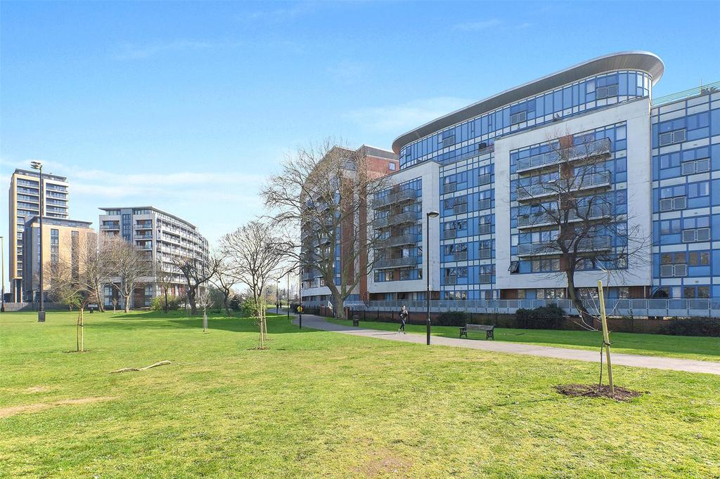 2 Bedrooms Flat for sale in Bray Court, 2 Meath Crescent, London, E2