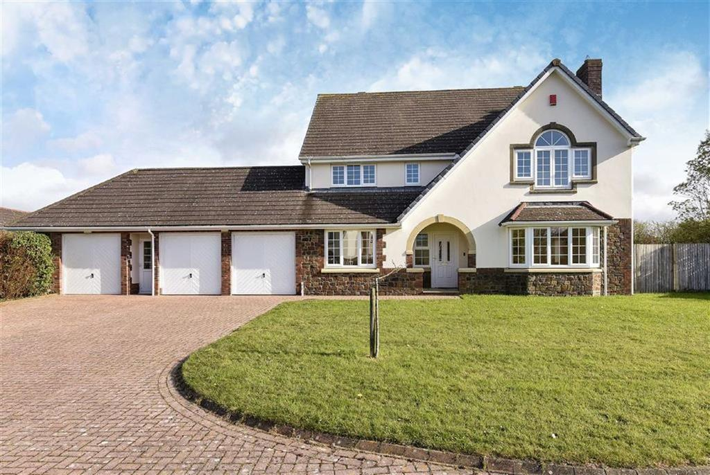 5 Bedrooms Detached House for sale in Highfield Close, High Bickington, Umberleigh, Devon, EX37