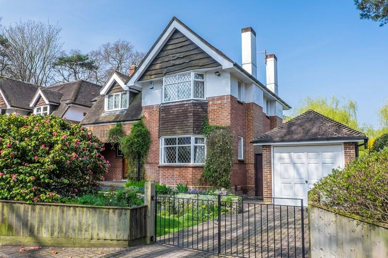 3 Bedrooms Detached House for sale in Branksome Wood Road, Poole