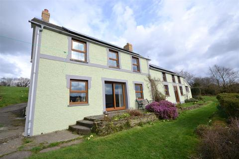 4 bedroom property with land for sale - Capel Iwan