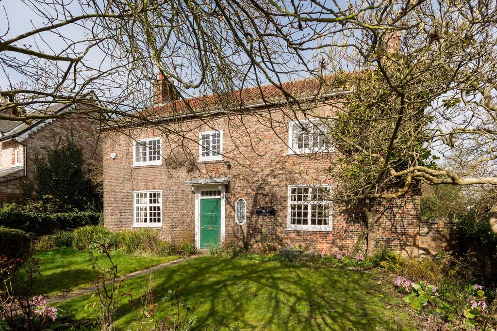 4 Bedrooms Detached House for sale in Main Street, Bilbrough, York