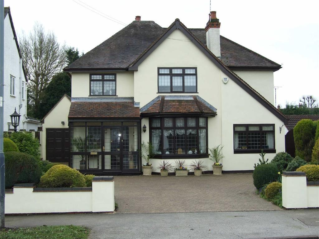 4 Bedrooms Detached House for sale in Lutterworth Road, Nuneaton, Warks