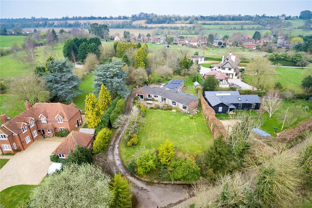 4 Bedrooms Bungalow for sale in Suffield Lane, Puttenham, Guildford, Surrey
