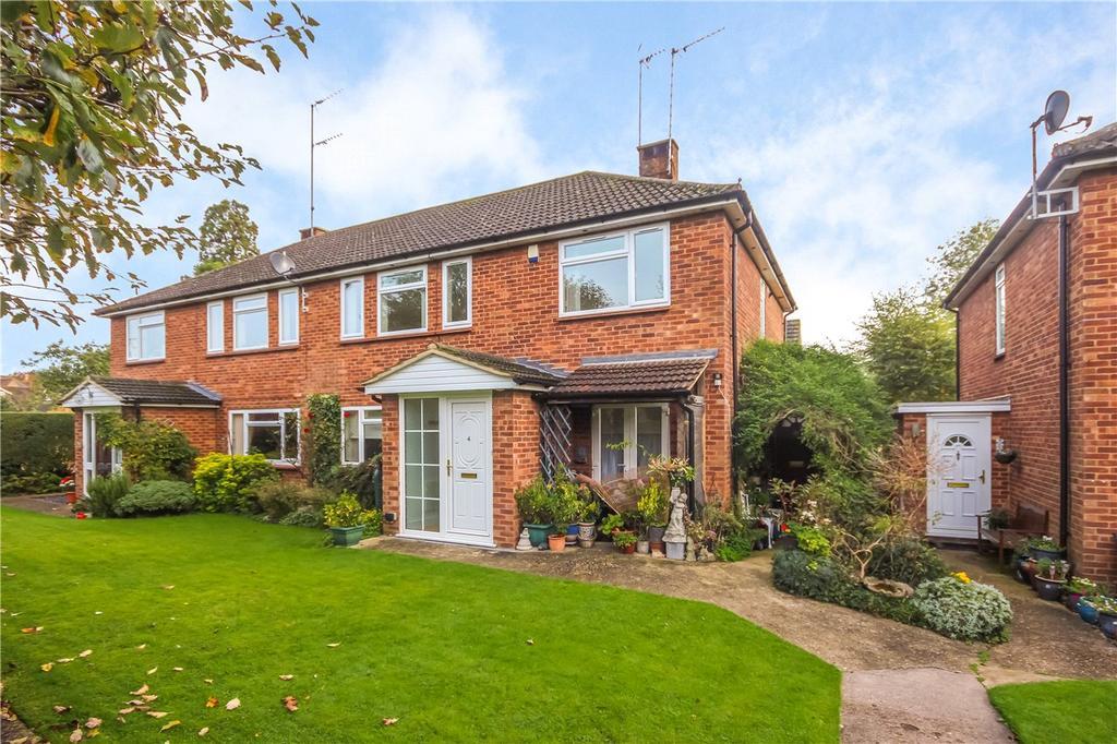 2 Bedrooms Flat for sale in Pondsmeade, Redbourn, Hertfordshire