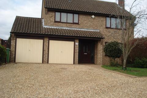4 bedroom house to rent - Larklands