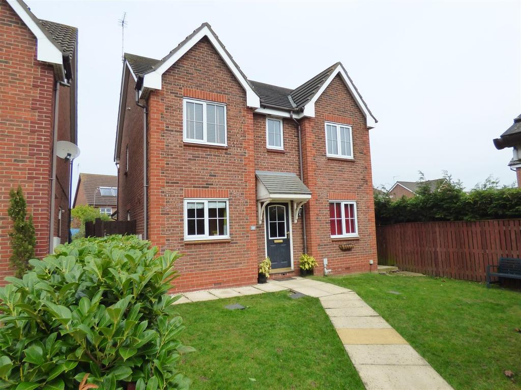 4 Bedrooms Detached House for sale in 19 Goodwood Close, Beverley, East Yorkshire, HU17 9TF