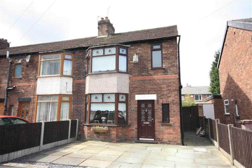 3 Bedrooms Town House for sale in Chadwick Road, Haresfinch, St Helens, WA11
