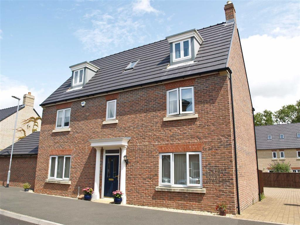 5 Bedrooms Detached House for sale in Birch Way, Crewkerne, Crewkerne, Somerset, TA18