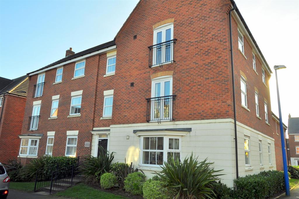 2 Bedrooms Apartment Flat for sale in Glaslyn Avenue, Rowley Regis