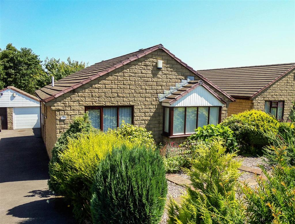 3 Bedrooms Detached Bungalow for sale in Ighten Road, Burnley