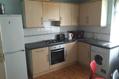 2 bedroom flat to rent - greenlawns, North Finchley N12