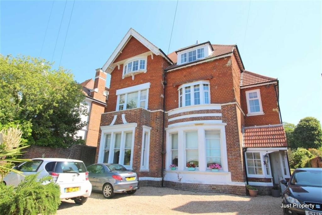 3 Bedrooms Apartment Flat for sale in Albany Road, St Leonards On Sea