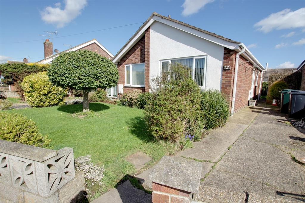 3 Bedrooms Detached Bungalow for sale in The Fairway, Mablethorpe
