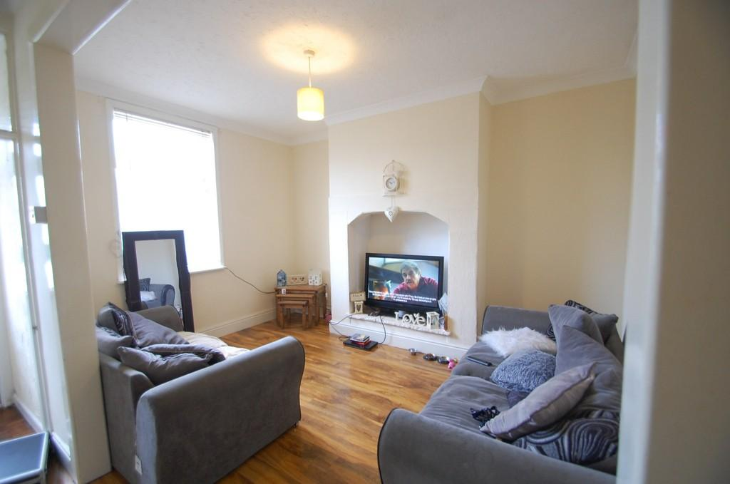 2 Bedrooms Terraced House for sale in Parkinson Street, Mill Hill, Blackburn
