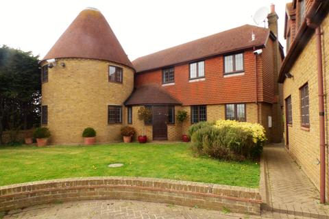 4 bedroom house to rent - Stoke Road, Hoo, Rochester
