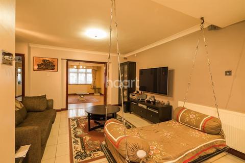 3 bedroom semi-detached house for sale - Ormesby Way, Harrow, HA3