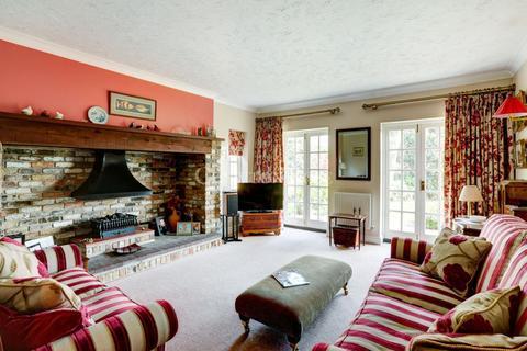 5 bedroom detached house for sale - Layer-de-la-Haye