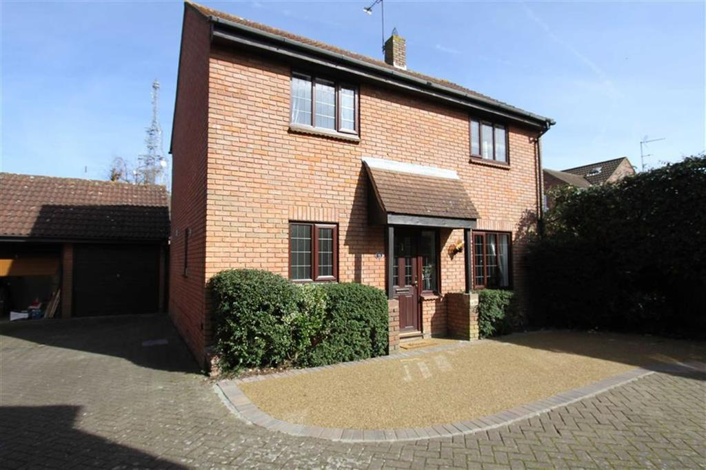 4 Bedrooms Detached House for sale in Kelvedon Green, Kelvedon Hatch, Brentwood, Essex, CM15 0XG