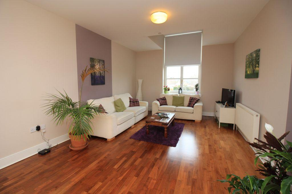 3 Bedrooms Flat for sale in Woolcarders Court, Cambusbarron, Stirling