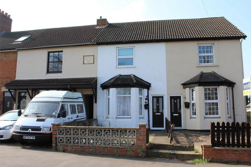 3 Bedrooms Terraced House for sale in Hitchin Road, Stotfold, Hitchin, Hertfordshire