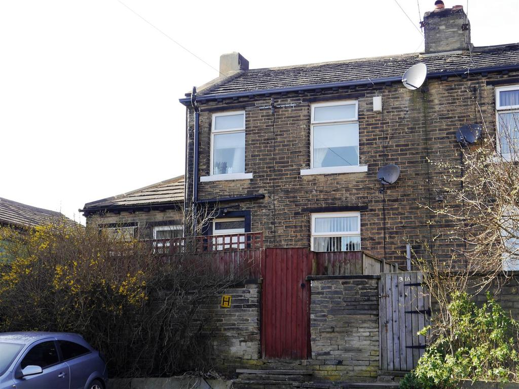 2 Bedrooms Semi Detached House for sale in Queen Street, Off Halifax Road, Bradford BD6 2HB