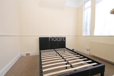 2 bedroom flat to rent - Lea Bridge Road, E10