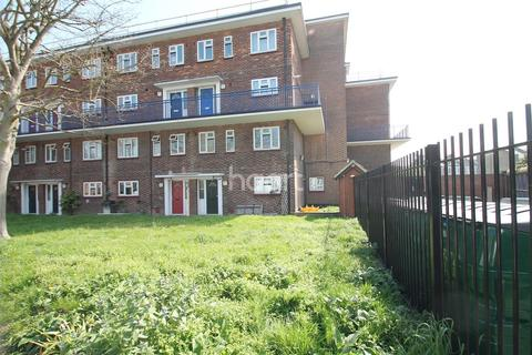 2 bedroom maisonette to rent - Granleigh Road, E11