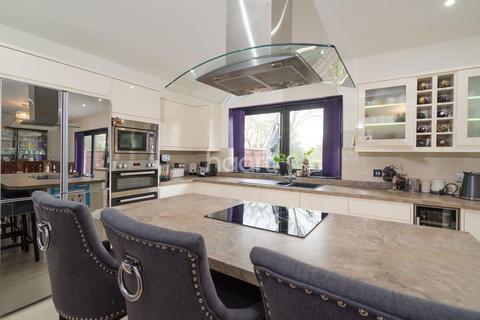 3 bedroom end of terrace house for sale - Bridgwater Road, Ruislip