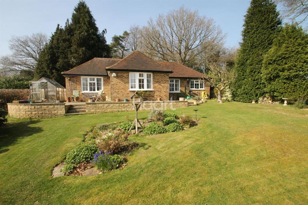 2 Bedrooms Detached House for sale in Toys Hill, Westerham