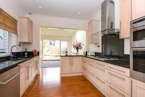 3 bedroom house to rent - Trentham Street London SW18