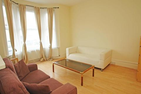1 bedroom flat to rent - Woolstone Road, Forest Hill, London, SE23