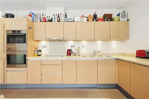 2 bedroom flat to rent - Bromyard House, Bromyard Avenue, London, W3