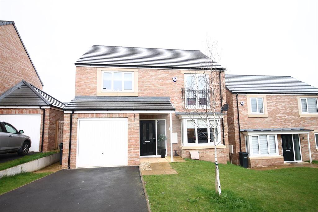 4 Bedrooms House for sale in Chesterfield Drive, Marton-In-Cleveland, Middlesbrough